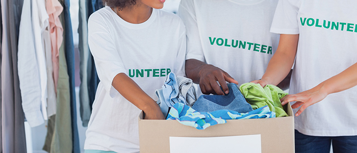 easy summer bucket list fun with students can involve volunteering