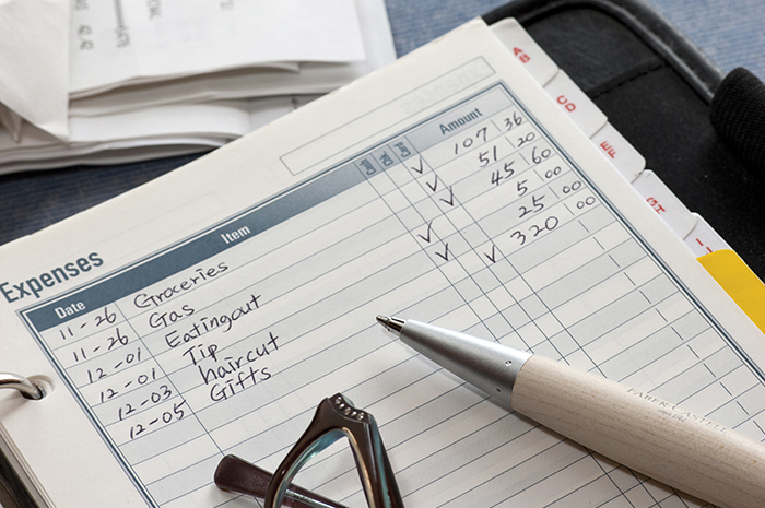 Save money in college: create a budget