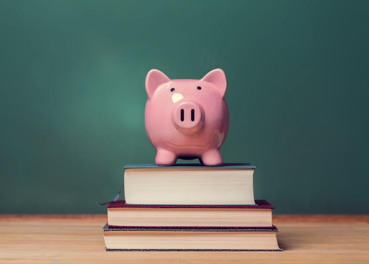 5 Scholarship Application Tips for Your Student